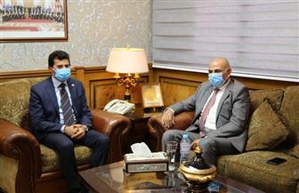 وزير الشباب يبحث مع الفنان جمال سليمان إطلاق مبادرة للحفاظ على اللغة العربية | صور