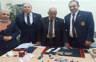 مطار القاهرة: إحباط محاولة تهريب ماريجوانا داخل جوارب بعد رشها بالبرفان