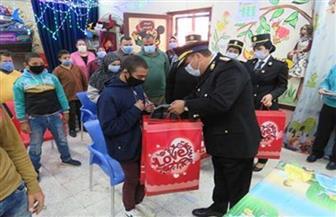 وفد من مديرية أمن الغربية يزور مدرسة التربية الفكرية بمناسبة اليوم العالمي للطفل
