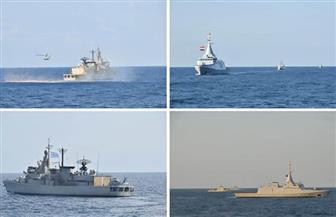 القوات البحرية المصرية واليونانية تنفذان تدريبا بحريا عابرا
