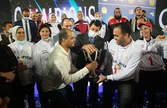 «النقل» تتوج بدوري الوزارات الأول تحت شعار «مصر أولا .. لا للتعصب» | صور