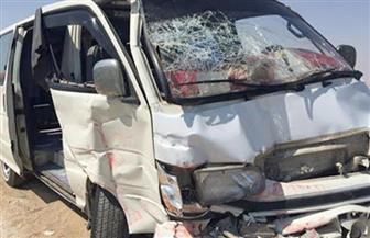 إصابة ١٠ أشخاص في حادث تصادم سيارتي ميكروباص وملاكي بحلوان