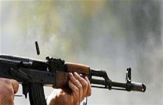 ضبط شخص أطلق أعيرة نارية على آخرين ومقتل أحدهم بسبب خلافات على قطعة أرض