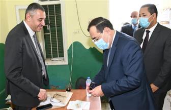 """وزير البترول عقب الإدلاء بصوته في انتخابات """"النواب"""": المشاركة مسئولية والتزام"""