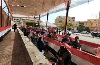 إقبال كثيف على اللجان الانتخابية بمدرسة نجيب محفوظ | صور