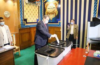 سعفان بعد الإدلاء بصوته في انتخابات النواب: المشاركة في هذا الاستحقاق واجب وطني | صور
