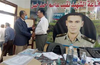 محافظ شمال سيناء يتفقد عددا من لجان الانتخابات بالعريش | صور