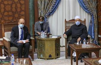 """شيخ الأزهر إلى وزير خارجية فرنسا: """"محمد صلوات الله عليه رحمة لنا ولكم"""""""