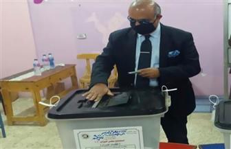 مساعد أول وزير التموين يدلي بصوته في انتخابات مجلس النواب  صور