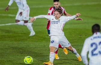ريال مدريد ينهي الشوط الأول لصالحه من ديربي العاصمة الإسبانية ضد أتليتكو