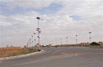 تركيب 316 عامود إنارة يعمل بالطاقة الشمسية على الطريق الدولي في مطروح
