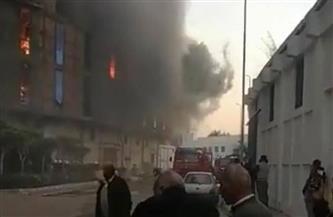 محافظ الإسكندرية يتفقد أعمال السيطرة على حريق أحد المخازن بالميناء البحري