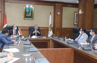 محافظ سوهاج ونائبه يلتقيان خريجي البرنامج الرئاسي لتأهيل الشباب للقيادة |صور