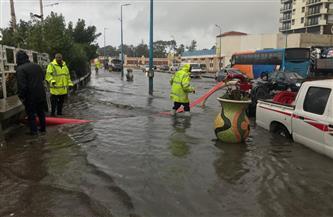 الأمطار تغرق كورنيش الإسكندرية.. والمحافظة تعلن الطوارئ | صور