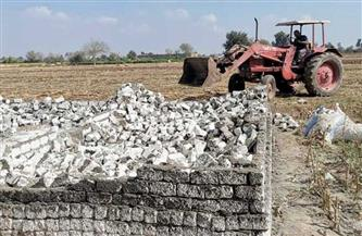 إزالة 17 حالة تعد بالبناء على الأراضي الزراعية بمركز ديرمواس بالمنيا