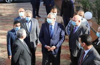 وزير الزراعة يتفقد وحدات الإنتاج في معهد الأمصال واللقاحات البيطرية | صور