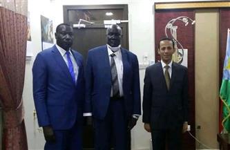 سفير مصر بجوبا يبحث سبل تعزيز التعاون مع وزير التجارة والصناعة الجنوب سوداني