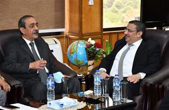رئيس جامعة قناة السويس ومحافظ الإسماعيلية يتفقدان كليتي الهندسة والآداب | صور