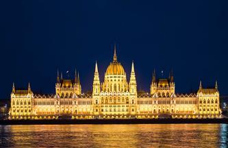 البرلمان المجري يقر سلسلة تدابير مناهضة للمثليين