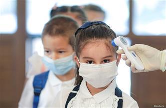 علماء: سلالة كورونا الجديدة تصيب الأطفال مثل البالغين