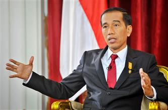الرئيس الإندونيسي يصدر أوامر بتسريع حملة التطعيم في البلاد ضد كورونا