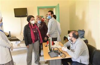 جامعة أسيوط: الكشف الطبي على 876 مريضا وتوزيع بطاطين وسلع بقرية عرب القداديح | صور
