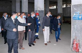 رئيس هيئة ميناء دمياط يتفقد ويشدد على الالتزام بأساليب تأمين المخازن | صور