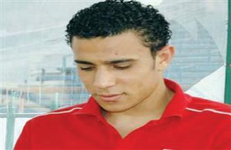 لاعبو الأهلي يزورن والدة محمد عبد الوهاب في الفيوم