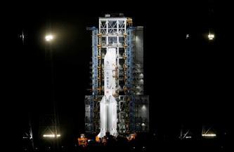 المسبار الصيني يعود إلى الأرض حاملا عينات من سطح القمر