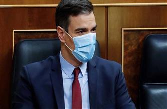 رئيس الوزراء الإسباني في عزل صحي بعد مخالطته ماكرون