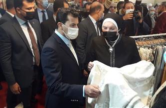 وزيرة التجارة تثني على المواهب المصرية بمعرض الأهرام للحرف اليدوية | صور