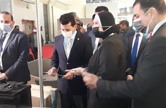 """وزيرا """"التجارة"""" و""""الشباب"""" يتفقدان معرض الأهرام للأثاث ويثنيان على حسن التنظيم"""