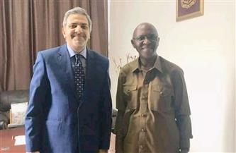 السفير المصري في مونروفيا يبحث مع وزير التعليم الليبيري جهود تعزيز التعاون بين الدولتيّن