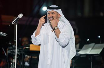 """حسين الجسمي يغني """"أنت عمري"""" لأول مرة على المسرح في افتتاح """"دبي للتسوق""""  صور"""