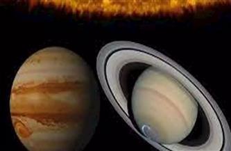 معهد الفلك يعلن عن الاقتران العظيم بين المشترى وزحل.. ويحذر من المنجمين الفترة المقبلة