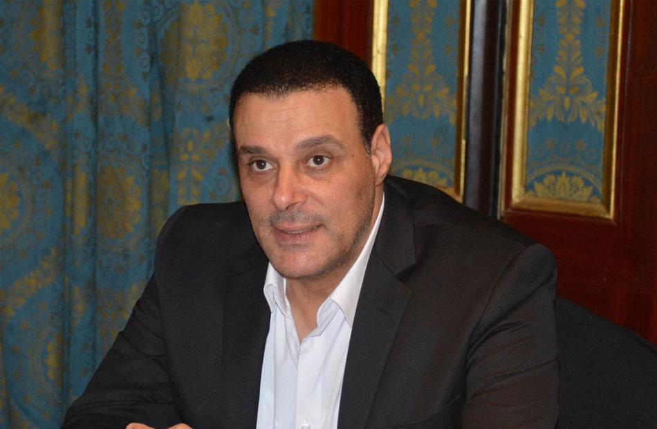 عصام عبد الفتاح  ;أعمل دون أجر في لجنة الحكام ;