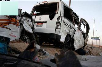 مصرع شخص وإصابة 13 آخرين في حادث انقلاب سيارة بقنا