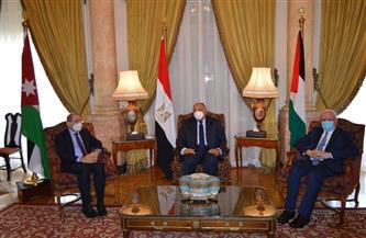 وزير الخارجية يستقبل نظيريه الأردني والفلسطيني بقصر التحرير| صور