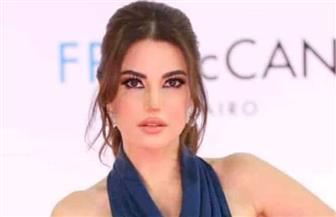 «درة» بإطلالة ساحرة تخطف الأنظار بحفل افتتاح مهرجان القاهرة   صور