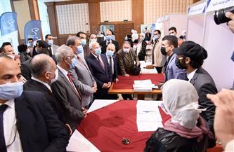 وزير القوى العاملة ومحافظ بورسعيد يفتتحان ملتقى التوظيف الأول لجامعة بورسعيد  صور
