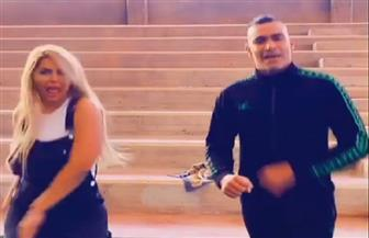 الحضري ومي حلمي يرقصان على أنغام مهرجان «إخواتي»| فيديو