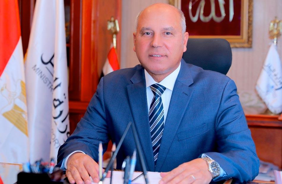 وزير النقل يتابع أعمال الرفع المساحي لموقع ميناء المكس الجديد ويجتمع مع الأهالي