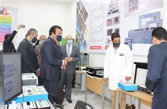 وزير التعليم العالي يشهد احتفالية الجامعة التكنولوجية ببني سويف ويدشن المعامل الكورية | صور