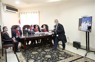 تفاصيل أول جلسة بالقاهرة لتجديد حبس متهم عن بعد | صور