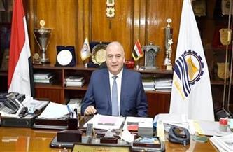 محافظ قنا يقدم واجب العزاء لأسرة الشهيد محمود فرج