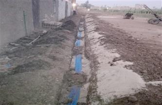 دعم المناطق المحرومة من مياه الشرب غرب الأقصر بمواسير مياه  صور