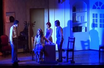 مخرج «هيلفجوت»: المسرحية تستعرض أحلام الآباء الضائعة