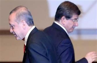 """أوغلو يصف الرئيس التركي بالرجل المذعور.. ويهاجم """"عصابة البجع"""""""