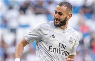 زيدان يكيل المديح لبنزيمة بعد فوز ريال مدريد