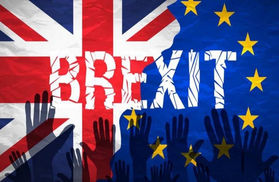 بريطانيا تجدد تحذيرها للاتحاد الأوروبي بشأن أيرلندا الشمالية بعد بريكست